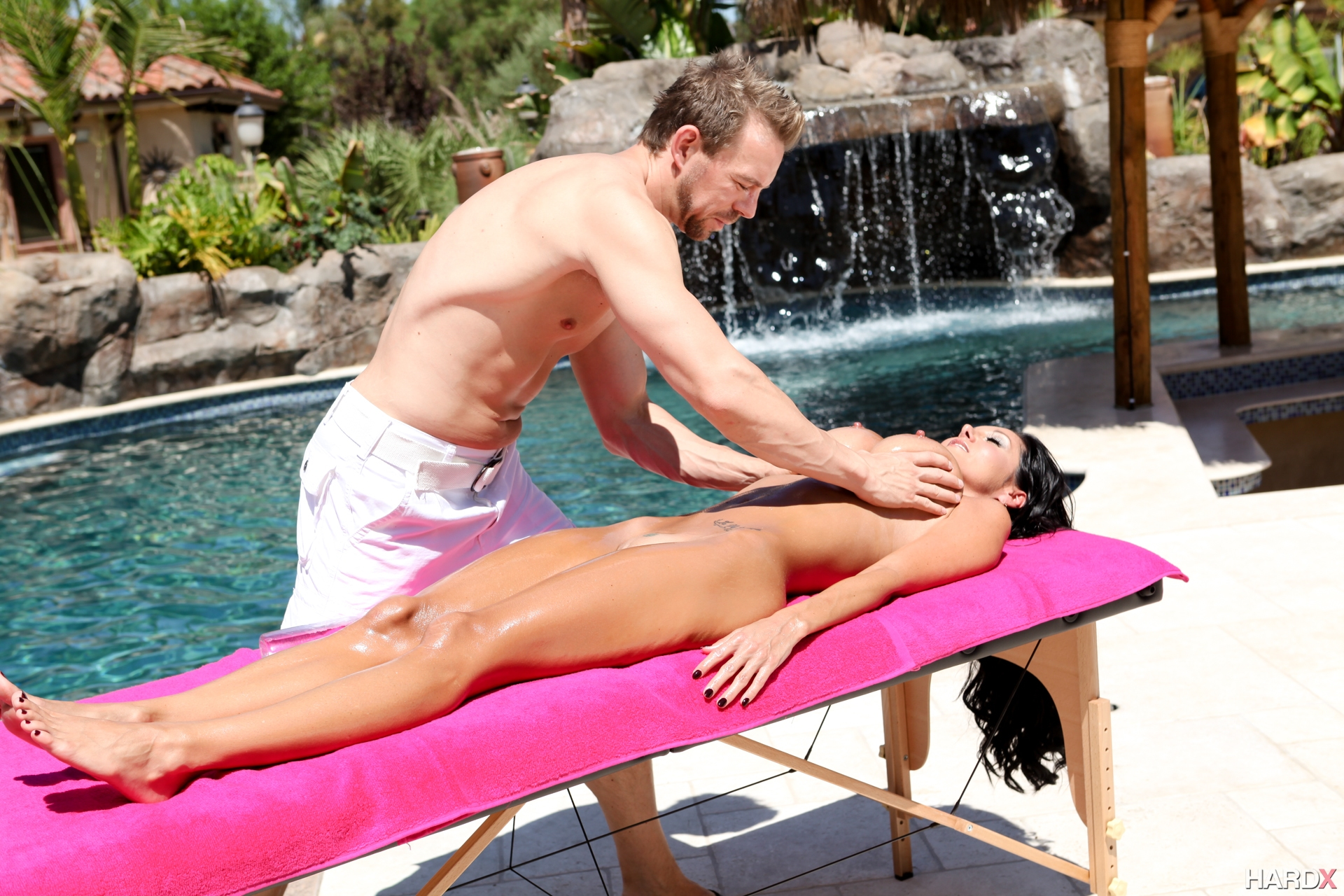 pornoboss-s-massazhem