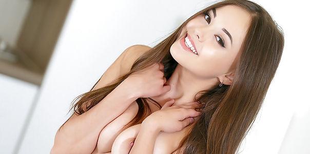 Nude Models Present Gorgeous Natalia