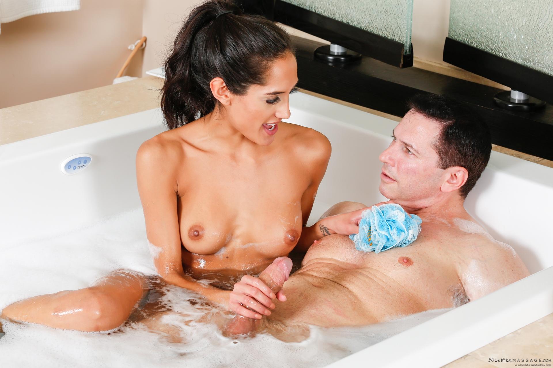 Секс в ванной молодожены, Молодожёны решили попробовать домашний секс 3 фотография