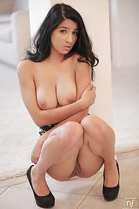 Salinas Nude Megan