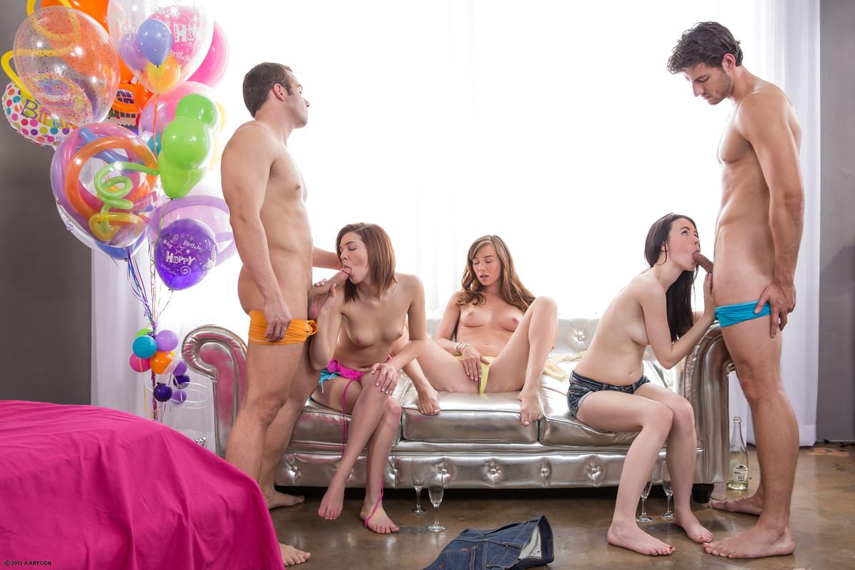 подарил свою подругу на день рождения секс прав